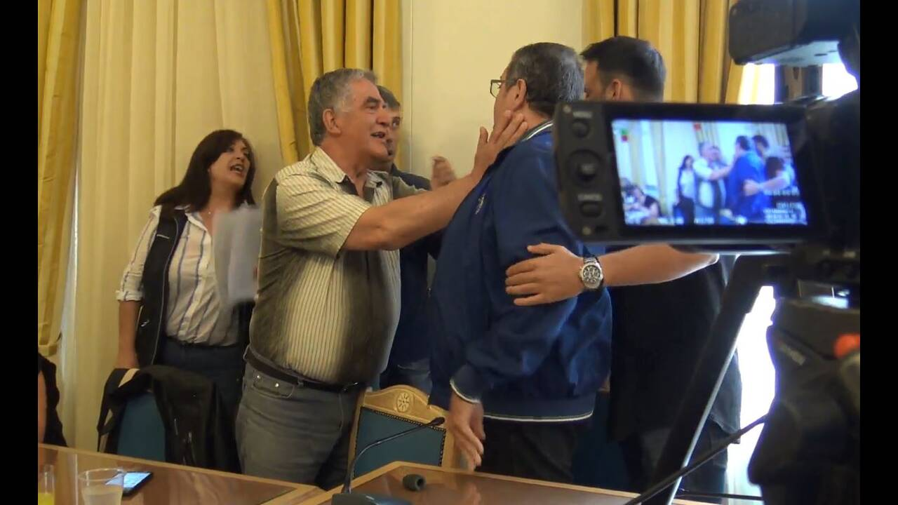 https://cdn.cnngreece.gr/media/news/2019/06/06/179648/photos/snapshot/tri3.JPG