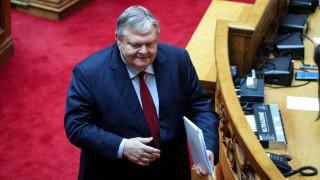 Συγκινημένος στην τελευταία ομιλία στη Βουλή ο Βενιζέλος - Χειροκροτήθηκε κι από τον ΣΥΡΙΖΑ