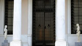 Κυβερνητικές πηγές: Τι ισχύει με τα αντίμετρα μετά την κατάργηση της μείωσης του αφορολόγητου