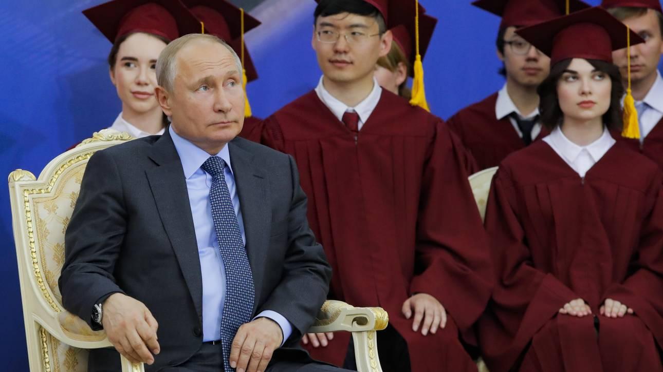 Νέες προειδοποιήσεις Πούτιν σε ΗΠΑ για την «ανεξέλεγκτη κούρσα» των εξοπλισμών