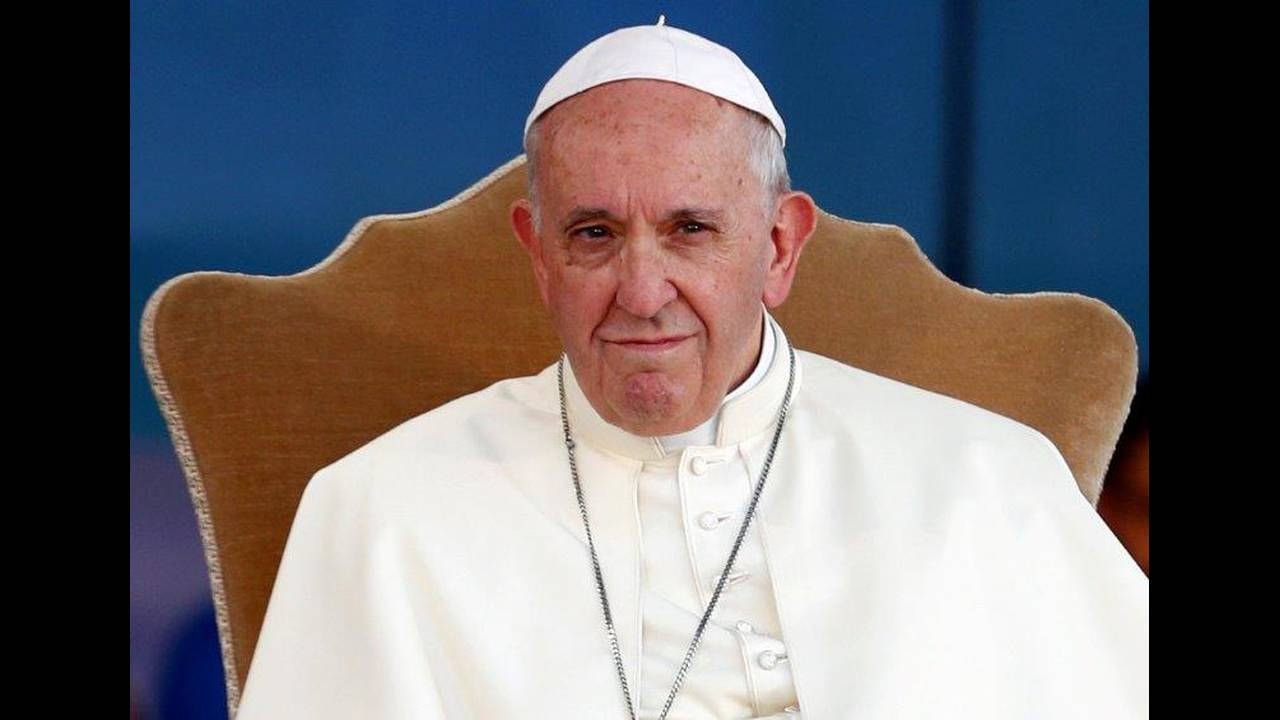 https://cdn.cnngreece.gr/media/news/2019/06/07/179791/photos/snapshot/2018-08-11T171459Z_773281065_RC1847017AB0_RTRMADP_3_ITALY-POPE-YOUTH.jpg