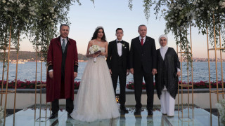 Τουρκία: O Μεσούτ Οζίλ παντρεύτηκε με μάρτυρα τον Ερντογάν