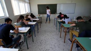 Πανελλήνιες 2019: Οι απαντήσεις στα θέματα της Άλγεβρας για τους μαθητές των ΕΠΑΛ