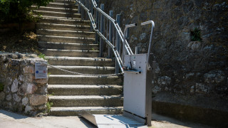 Τι καταγγέλλει ο Σύλλογος Ελλήνων Αρχαιολόγων για το χαλασμένο αναβατόριο στην Ακρόπολη