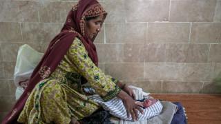 Ο άθλος να είσαι μητέρα στα βάθη του Πακιστάν - Οι ιστορίες τριών γυναικών