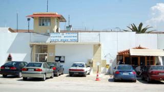 «Δεν ξυλοκοπήθηκε από κανέναν»: Τι λέει η επόπτρια των φυλακών για το θάνατο κρατούμενου