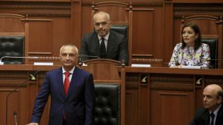 Βαθαίνει η κρίση στην Αλβανία: «Ο Μέτα δεν έχει θέση στο γραφείο του προέδρου», είπε ο Ράμα