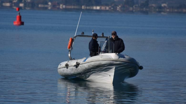 Περιπέτεια στη θάλασσα για τρεις νεαρούς: Κινδύνεψαν όταν άνεμοι παρέσυραν τη βάρκα τους