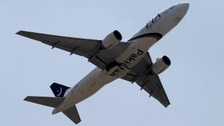 Βρετανία: Άνοιξε την… έξοδο κινδύνου σε αεροσκάφος επειδή νόμιζε πως ήταν η τουαλέτα