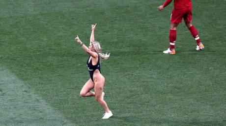 Kinsey Wolanski: Η άγνωστη ιστορία πριν από την ημίγυμνη εισβολή στον τελικό του Champions League