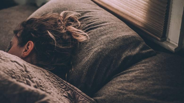 Παχαίνουν οι γυναίκες που κοιμούνται με ανοιχτή τηλεόραση ή φώτα;