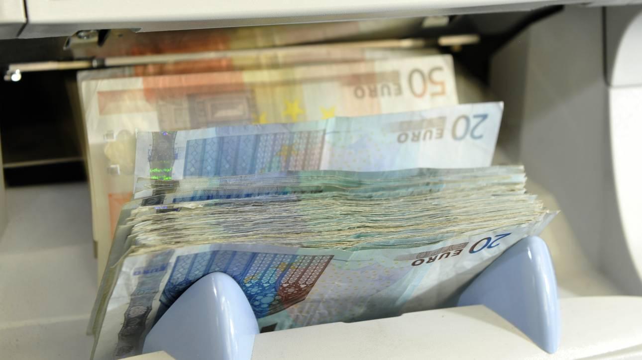 Με το «σταγονόμετρο» πληρώνει τα χρέη του το Δημόσιο