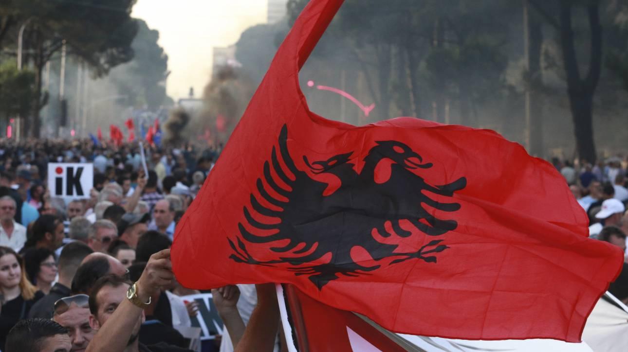 Αλβανία: Ο Μέτα επιμένει στην ακύρωση των εκλογών - Ο Ράμα δρομολογεί την καθαίρεσή του