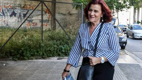 Φωτίου: Τα μεσαία στρώματα θα χάσουν αν κόψει τα επιδόματα ο Μητσοτάκης