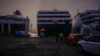 Ταλαιπωρία για 317 επιβάτες: Μηχανική βλάβη σε καταμαράν – Επέτρεψε στο λιμάνι της Ραφήνας