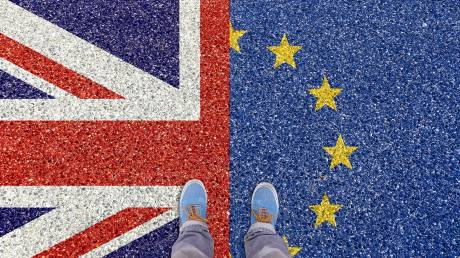 Βrexit: Τα σχέδια της Μέι, η αποφασιστικότητα του Τζόνσον και η αυστηρή προειδοποίηση της ΕΕ