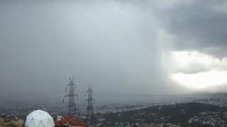 Εντυπωσιακό βίντεο: Έτσι «χτύπησε» η καταιγίδα την Αττική