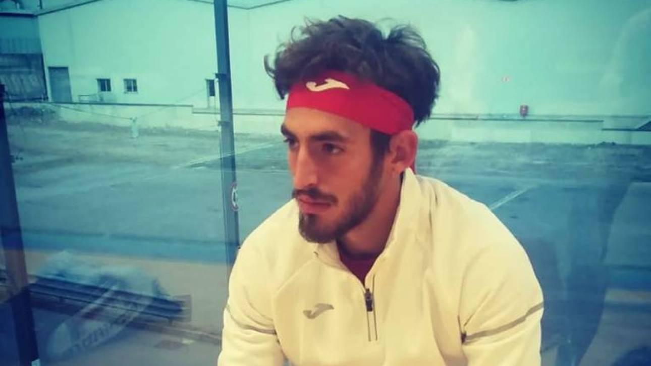 Ισπανός τενίστας έγινε viral όταν έχασε και… ξέσπασε στη ρακέτα του
