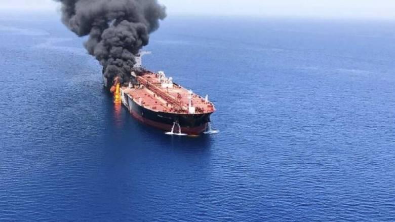 Εκρήξεις σε τάνκερ στον Κόλπο του Ομάν: Ποιος βρίσκεται πίσω από τις επιθέσεις;
