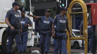 Νότια Αφρική: 28χρονος κατηγορείται ότι επιτέθηκε στη μητέρα του και τη βίασε στο δρόμο