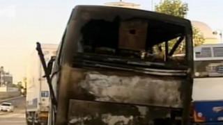 Έκαψαν τουριστικό λεωφορείο στο κέντρο της Αθήνας