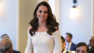 Κέιτ Μίντλετον: Όλοι αναρωτιούνται αν φόρεσε το φόρεμά της ανάποδα - Η λεπτομέρεια που την «κάρφωσε»