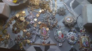 Άγιο Όρος: Χρυσά τάματα, βυζαντινά κοσμήματα και νομίσματα έκλεψε ο 56χρονος