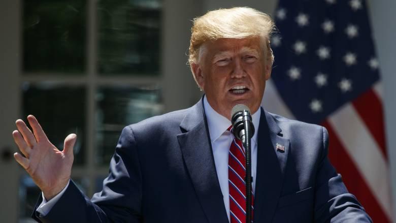 Τραμπ: Οι επιθέσεις στον Κόλπο του Ομάν φέρουν «την υπογραφή» του Ιράν