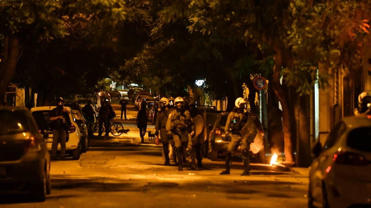 Εξάρχεια: Επίθεση με μολότοφ κατά αστυνομικών - Τρεις προσαγωγές