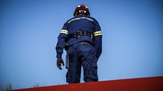 Φωτιά σε μάντρα στο Αιγάλεω – Κλειστές δύο λωρίδες κυκλοφορίας στη λεωφόρο Αθηνών