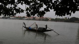 Αγωνία για Ινδό …«Χουντίνι» που βούτηξε αλυσοδεμένος στον Γάγγη και αγνοείται