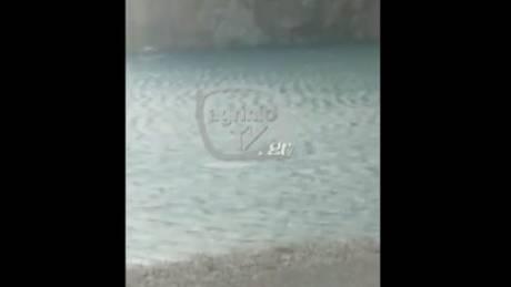 Τραγωδία στη Ναύπακτο: Βίντεο με τη μοιραία προσπάθεια του 31χρονου να σώσει τη βάρκα του
