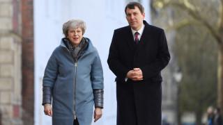 Βρετανία: Δεσμεύεται να κάνει τα πάντα για να διατηρήσει τον χρηματοπιστωτικό της κλάδο
