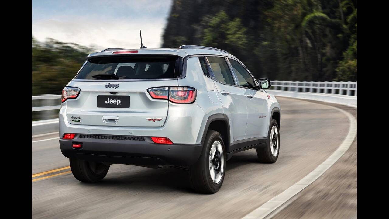 https://cdn.cnngreece.gr/media/news/2019/06/18/181124/photos/snapshot/JEEP-COMPASS-6.jpg
