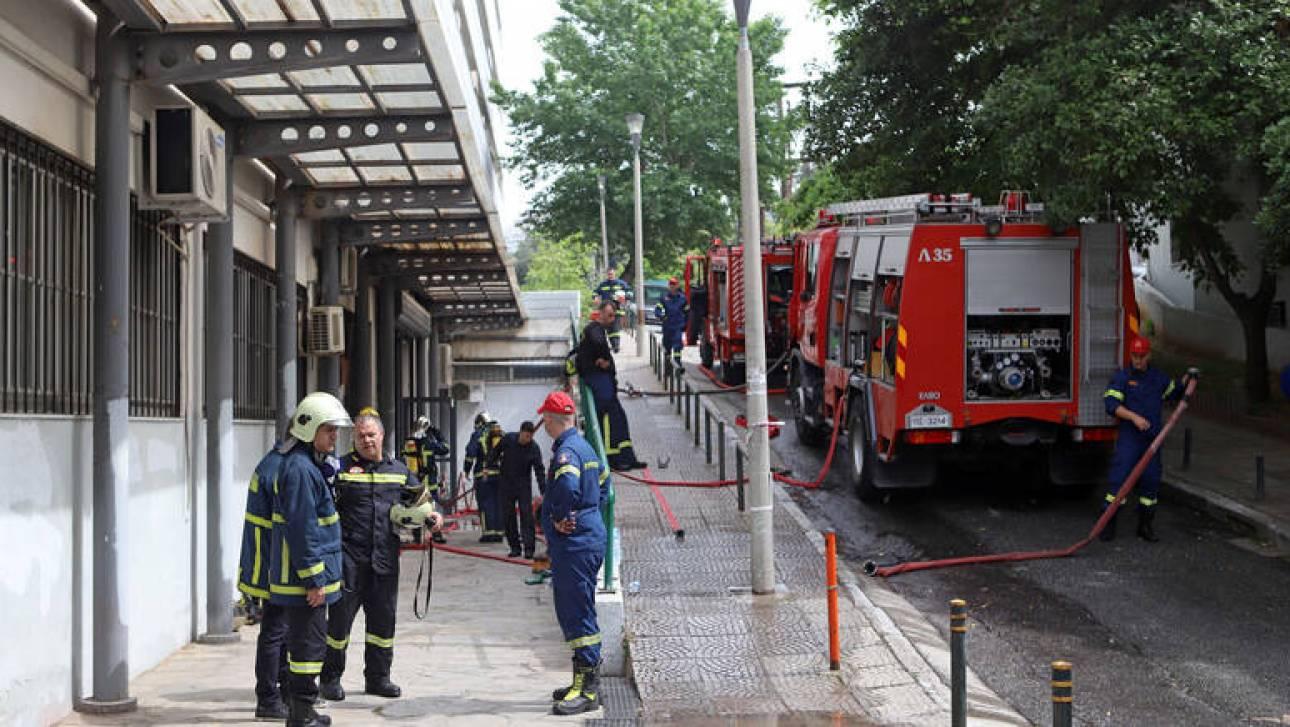 Υπό έλεγχο η πυρκαγιά που εκδηλώθηκε σε βιοτεχνία επίπλων στον Κορυδαλλό