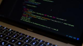 Σύλληψη γυναίκας που ανέβαζε πορνογραφικό υλικό με ανήλικα κορίτσια στο Dark Web