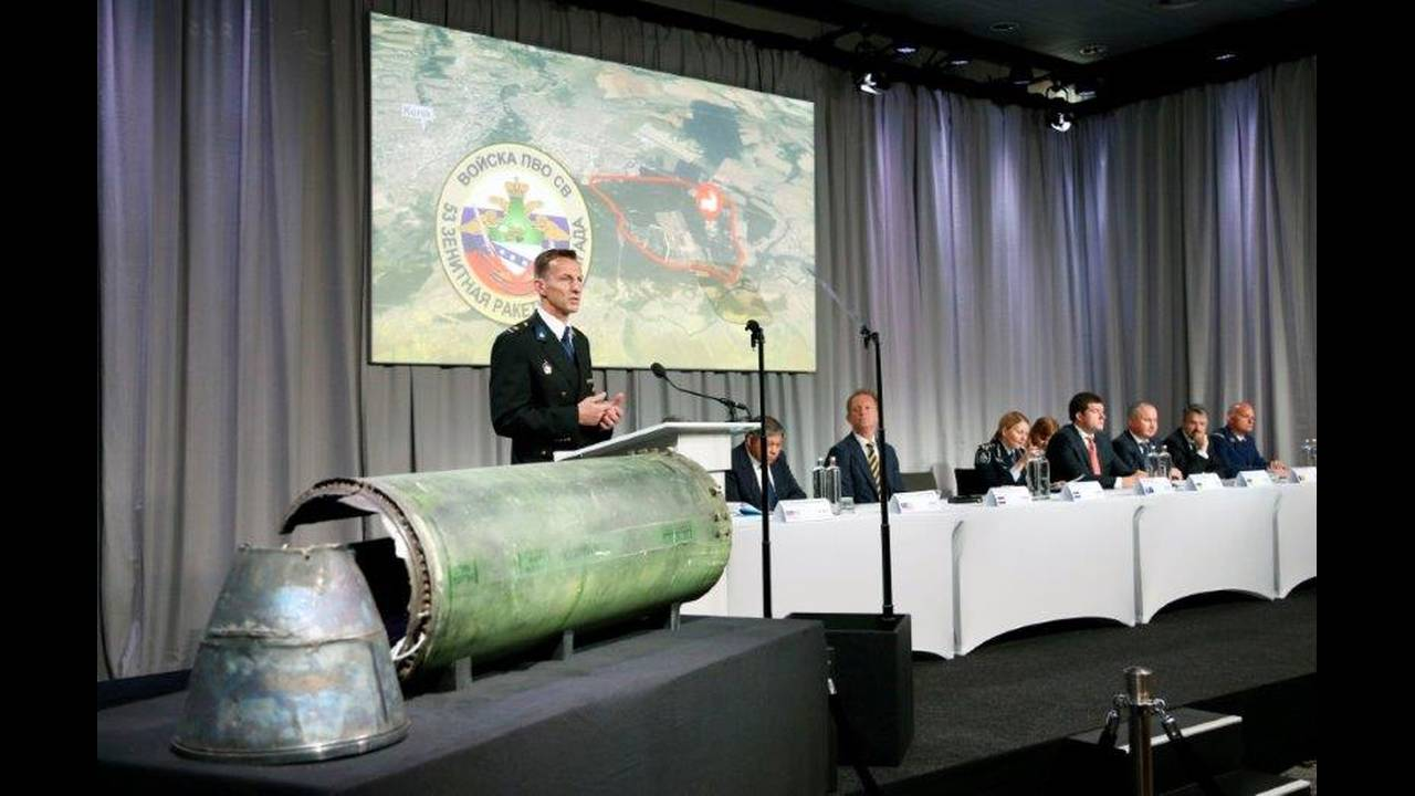https://cdn.cnngreece.gr/media/news/2019/06/19/181273/photos/snapshot/2018-05-24T095535Z_231562956_RC12DBAA7C50_RTRMADP_3_UKRAINE-CRISIS-MH17.jpg