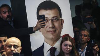 Φαινόμενο Εκρέμ Ιμάμογλου: Γιατί είναι τόσο δημοφιλής και έχει μπει στο «μάτι» του Ερντογάν;