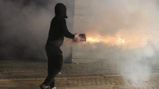 Κλιμακώνεται η πολιτική ένταση στην Αλβανία: Πυρπόλησαν εκλογικό κέντρο