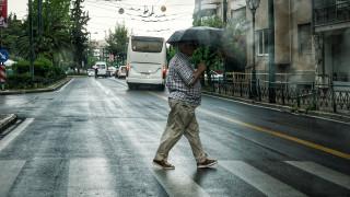 Καιρός: Επιμένει η κακοκαιρία - Νέα προειδοποίηση για καταιγίδες και χαλάζι