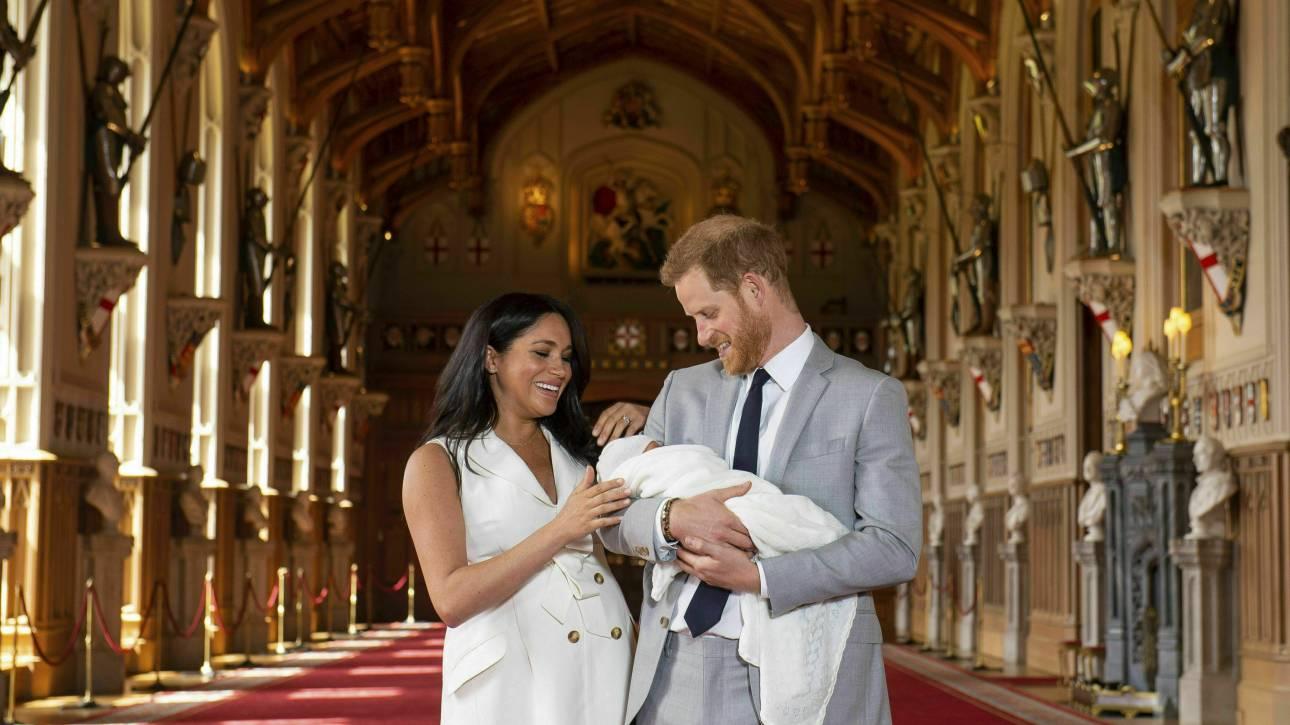 Σε ποιον μοιάζει τελικά το μωρό της Μέγκαν και του Χάρι; Η φωτογραφία που λύνει τις απορίες