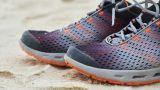 Γιατί ξεβράζονται εκατοντάδες αθλητικά παπούτσια σε παραλίες;