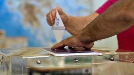 Νέα δημοσκόπηση: Ποια η διαφορά ΣΥΡΙΖΑ με ΝΔ - «Θρίλερ» για την είσοδο στη Βουλή
