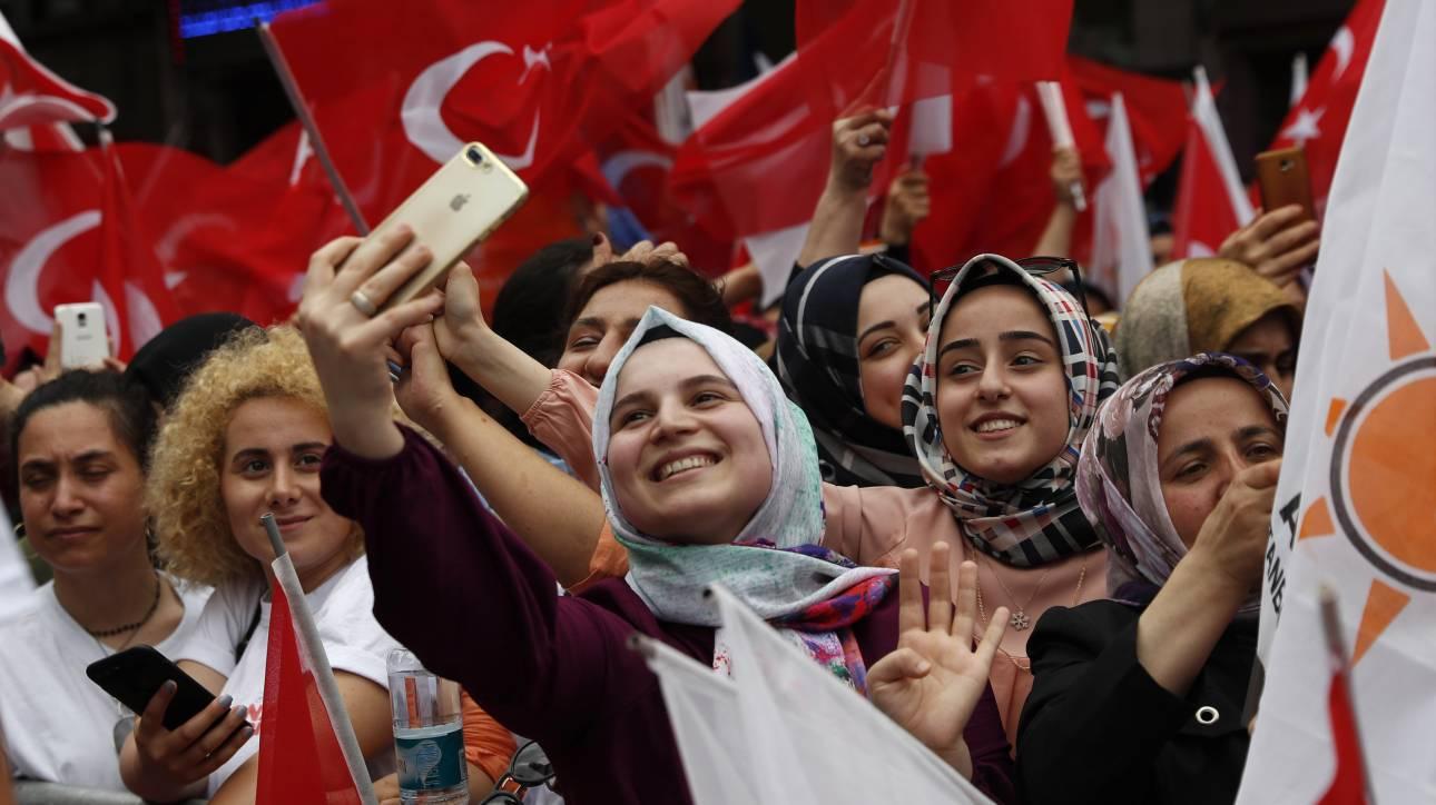 Κωνσταντινούπολη: Άνοιξαν οι κάλπες για τις κρίσιμες επαναληπτικές δημοτικές εκλογές