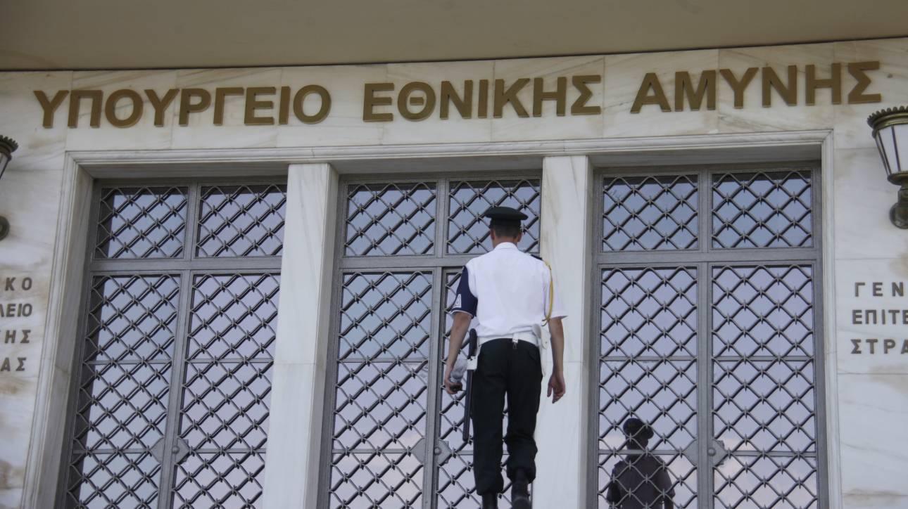 Διαψεύδει το ΥΕΘΑ ότι ο υπουργός μετακινείται με κυβερνητικό αεροσκάφος στην Κρήτη