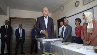 Επαναληπτικές εκλογές στην Κωνσταντινούπολη: Προβάδισμα του Ιμάμογλου δείχνουν οι πρώτες μετρήσεις