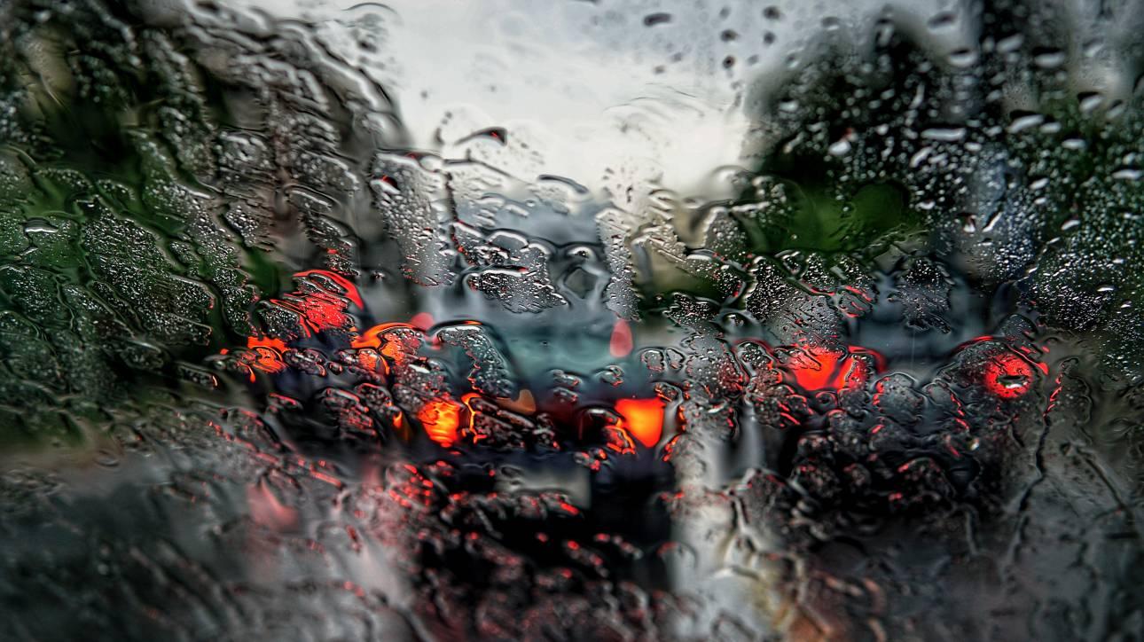 Έκτακτο δελτίο ΕΜΥ: Μεταβολή του καιρού τη Δευτέρα με ισχυρές καταιγίδες και χαλάζι