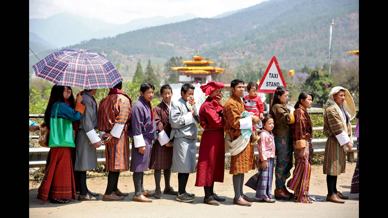 https://cdn.cnngreece.gr/media/news/2019/06/24/181889/photos/snapshot/BHUTAN-DAILYLIFE-REUTERSCathalMcNaughton7.jpg