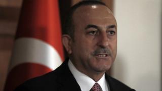 Τσαβούσογλου: Η Τουρκία εμμένει στους S-400 παρά την απειλή για κυρώσεις από τις ΗΠΑ