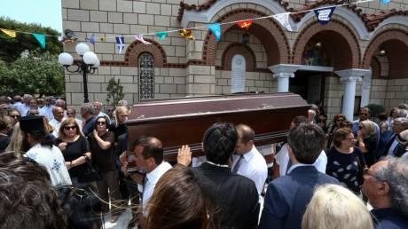 Ροβέρτος Σπυρόπουλος: Γεννηματά και Παπανδρέου στην κηδεία του - Συγκίνηση στο «τελευταίο αντίο»
